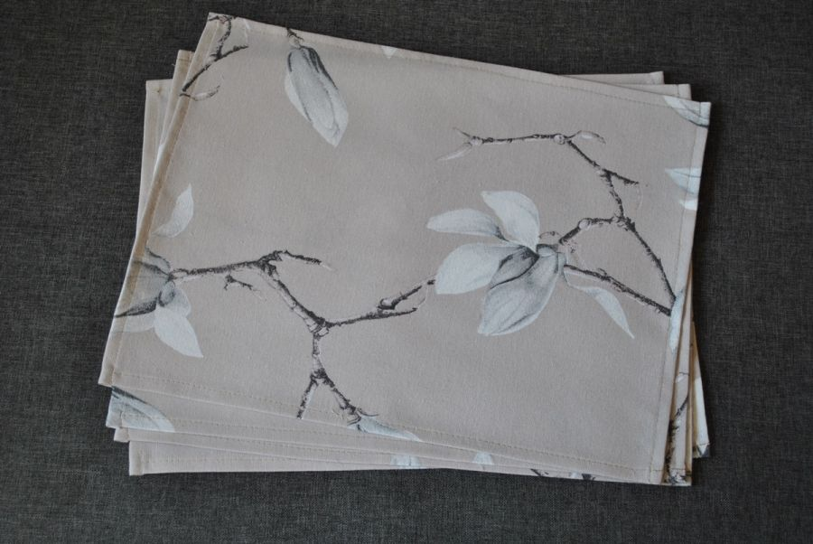 4 podkładki pod talerze - beżowe magnolie