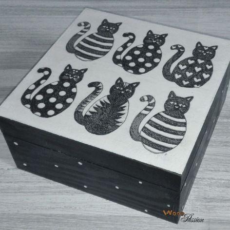 Szkatułka czarne koty