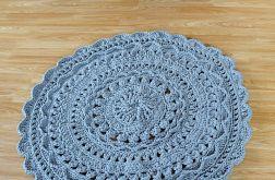Piękny, szary, ozdobny dywan ze sznurka