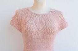 Różowa sukienka z cekinami i pól halką tutu