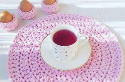 Różowa podkładka szydełkowa pod talerz