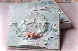 Kartka w pudełku Białe Gołąbki