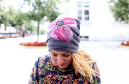 czapka wełniana damska z kwiatem
