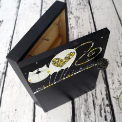 pudełko na klucze z tablicą kot kropki