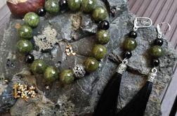 Komplet biżuterii z jadeitem.