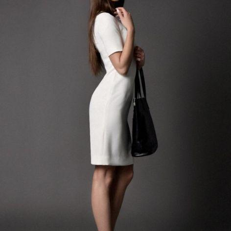 klasyczna sukienka ESTHER / kremowa