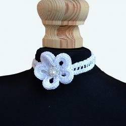 Naszyjnik-obroża biały kwiatek