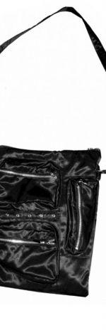 Torebka czarna z kieszeniami