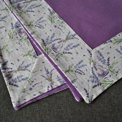 Kwadratowy obrus 88 x 88 cm -lawenda i napisy