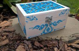 Niebieskie pudełeczko