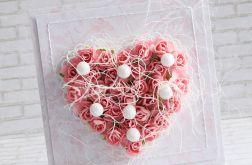 Ślubne kwiatowe serce w perłach