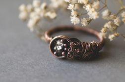 Mojra - pierścień z pirytem