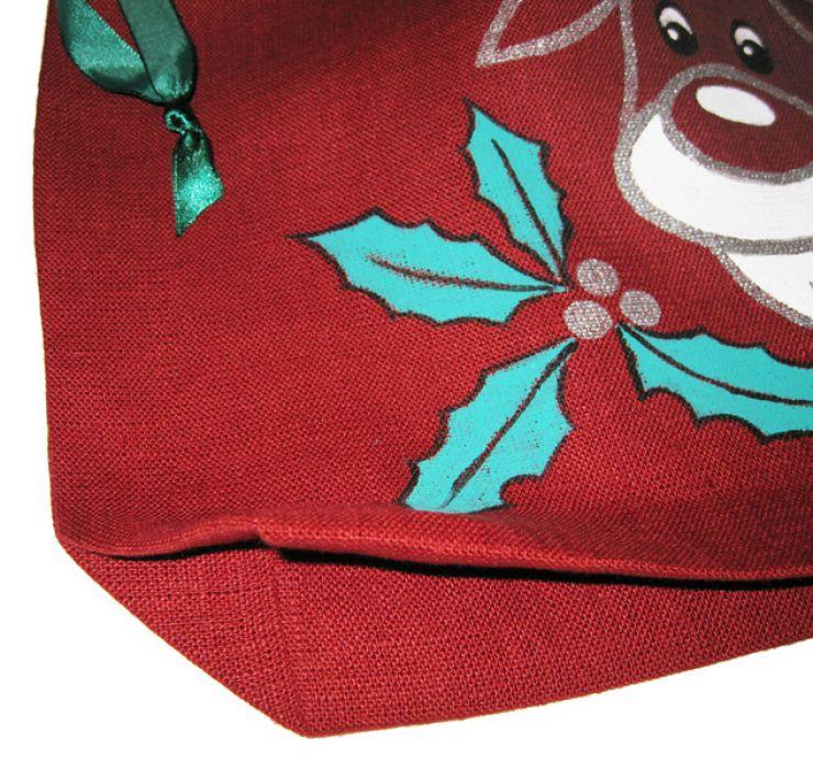 Bordowy woreczek z lnu ręcznie malowany.