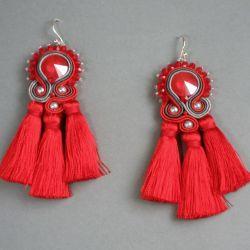 Czerwone maki -  kolczyki sutasz z chwostami
