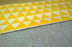 Kocyk szary w żółte trójkąty 100x150cm