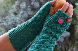 Mitenki w kolorze zielonym z kolorowymi kwiatkami ;o))