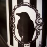 Kubek z krukiem, retro, victorian gothic