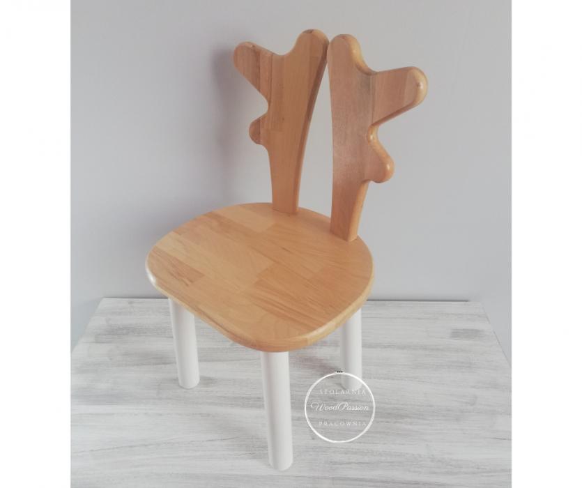 Krzesełko z rogami renifera