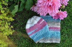 Zestaw na zimę zrobiony ręcznie na drutach - kolorowa czapka i komin