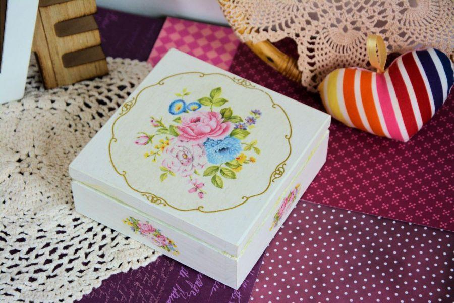 Pudełko drewniane - Romantyczny bukiet