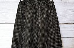 Czarna spódniczka w białe kropeczki