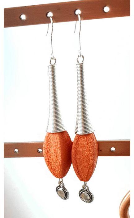 4685 długie kolczyki pomarańczowe 8,5 cm -