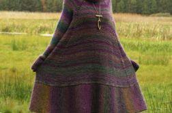 Wełniana sukienka w fioletach