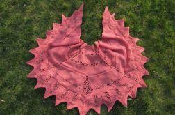 Wełniana chusta koloru koralowego