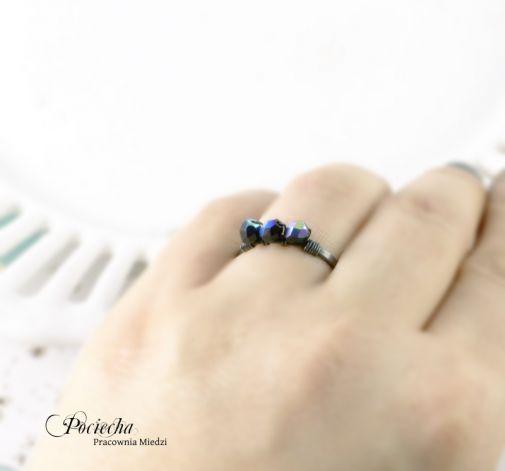 Black - pierścionek ze szkłem