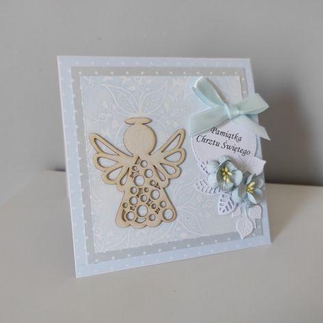 Kartka na Chrzest Święty błękitna z ażurkowym aniołkiem