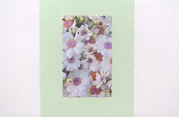 Seledynowa kartka z kwiatami 1
