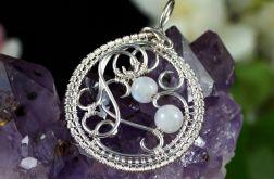 Srebrny wisior z kamieniem księżycowym