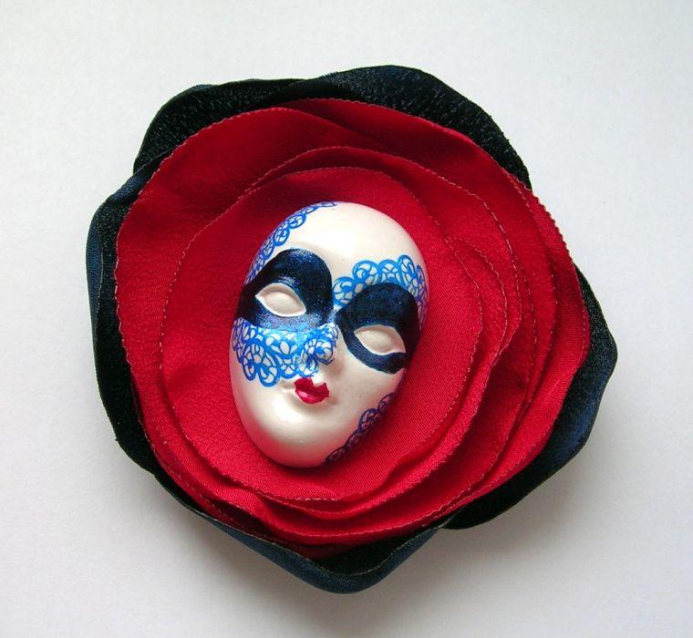 Broszka z kolekcji Masquerade - Marynarska