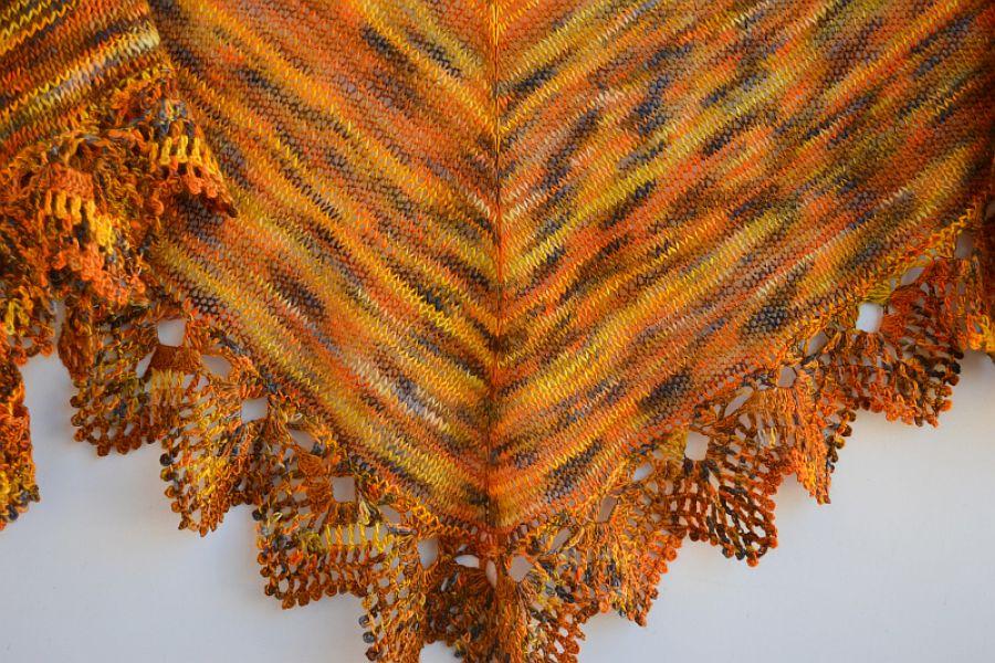 Chusta w kolorach jesiennych liści