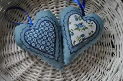 Dwa serduszka niebieskie z aplikacją