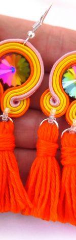 Kolorowe kolczyki sutasz boho z chwostami