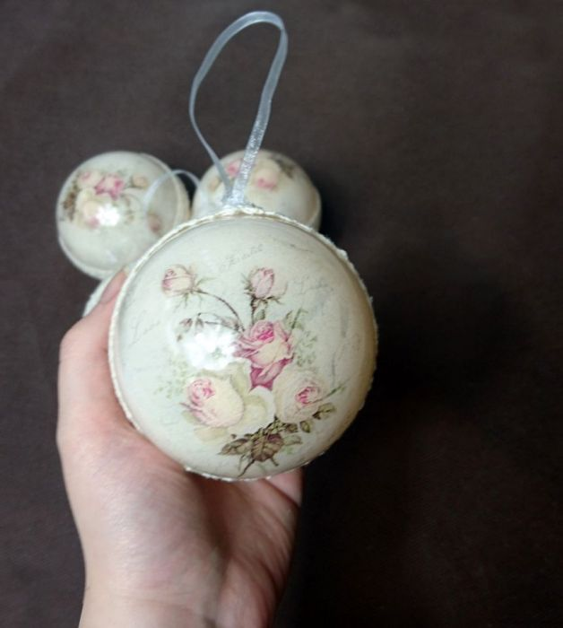 Bombki choinkowe róż krem shabby decoupage