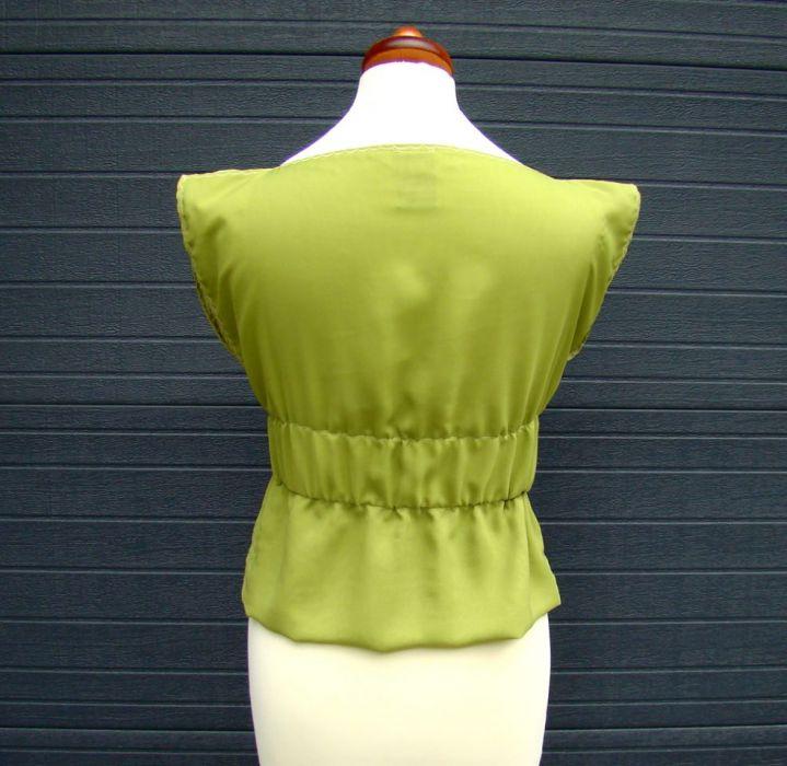 bluzka szyfonowa zielona - tył bluzki