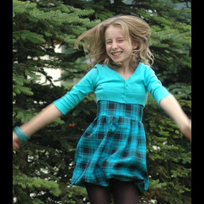 dziewczęca bombka, sukienka w kratę turkusowo-czarną