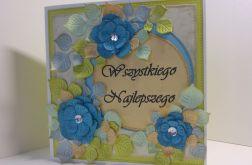 Kartka z niebieskimi kwiatkami
