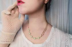 naszyjnik ze sztucznymi perłami i łączeniem 2