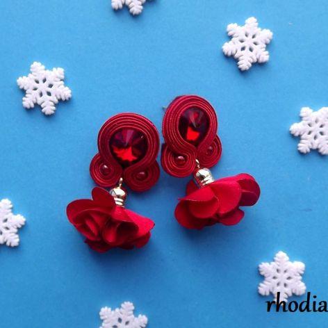 Czerwone z kwiatowym Chwostem kolczyki sutasz