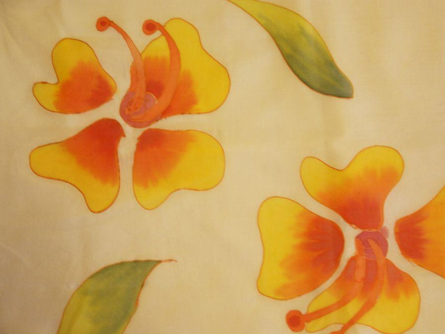 Szal jedwabny kwiaty na Bali