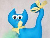 Kotek niebieski ciemny gładki