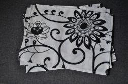 4 podkładki Czarne kwiaty na białym tle