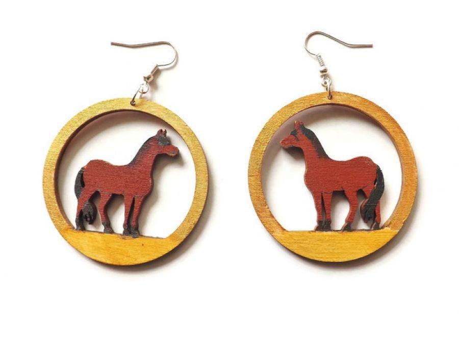 Kolczyki drewniane, malowane - Konie - konie kasztanowe w złocie