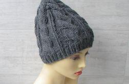 Zimowa czapka w warkocze w kolorze stalowym.