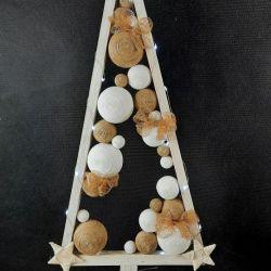 Skandynawska choinka drewniana LED
