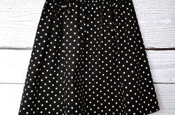 Czarna spódniczka w białe kropki