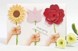 """Kartka podziękowanie dla nauczycielki od przedszkolaków """"Kwiaty w dłoniach"""" personalizowana"""
